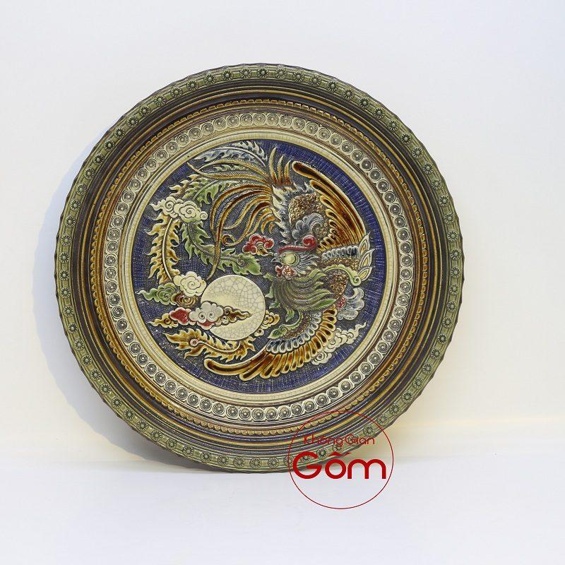 Đĩa gốm sứ trưng bày