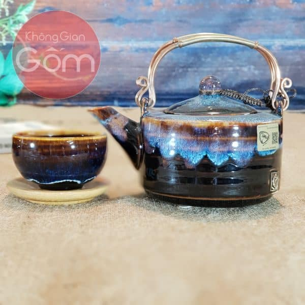 Bộ ấm trà bát Tràng quai đồng đúc
