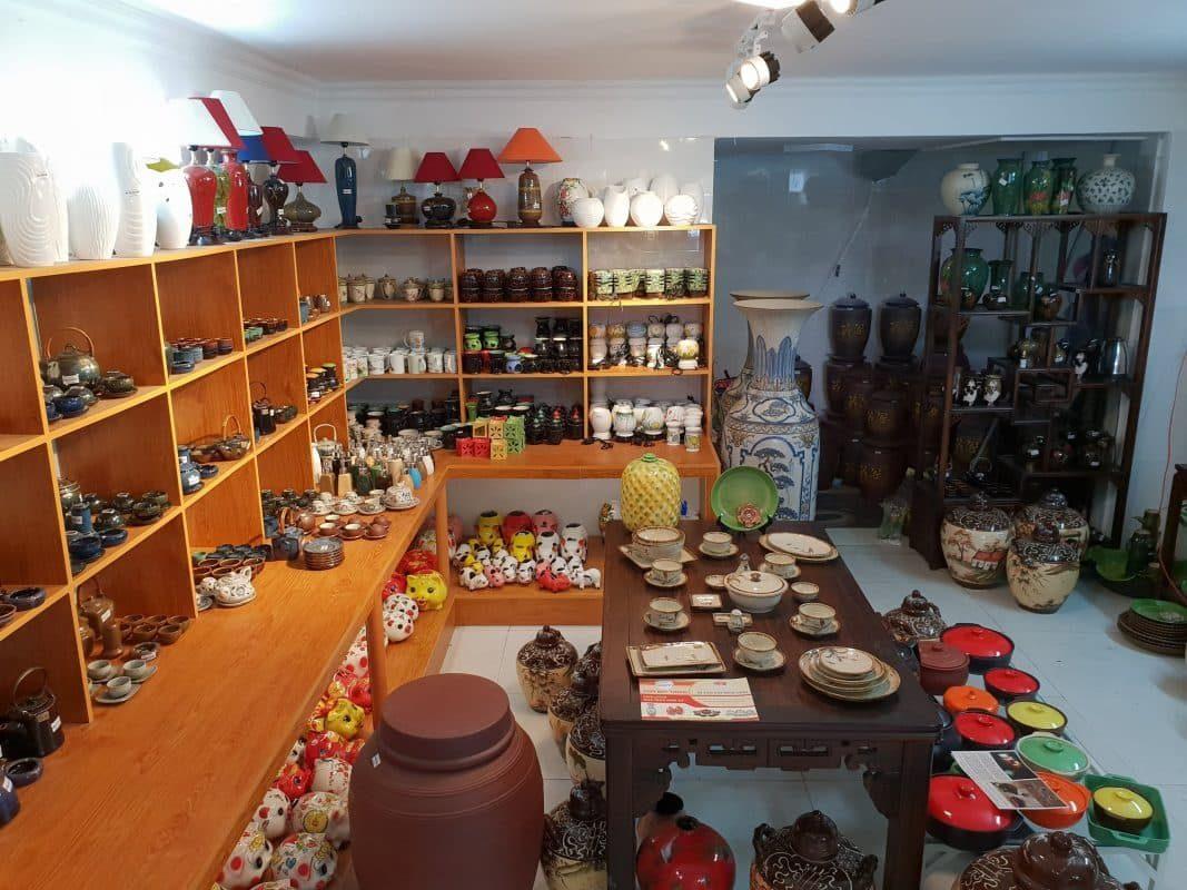 Không gian gốm sứ đa dạng về chủng loại sản phẩm