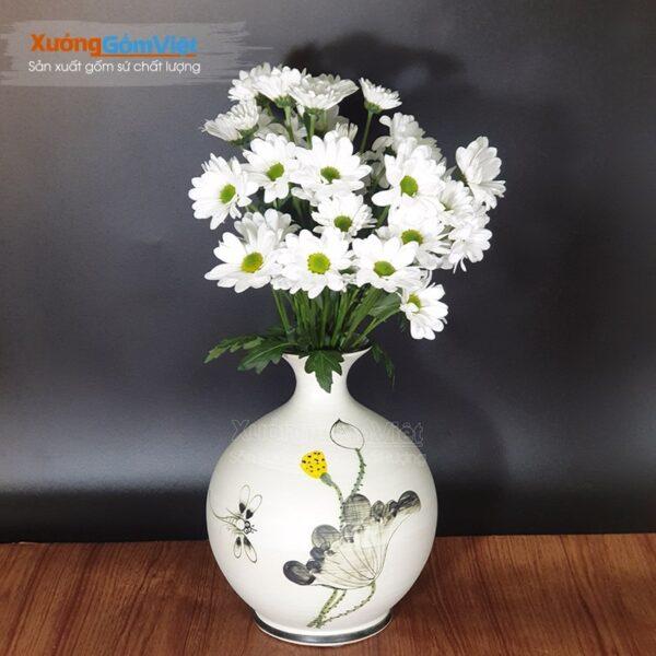 Bình hoa dáng tỏi vẽ sen