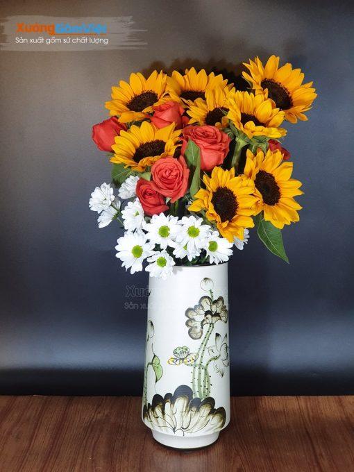 Lọ hoa dáng ống vẽ sen